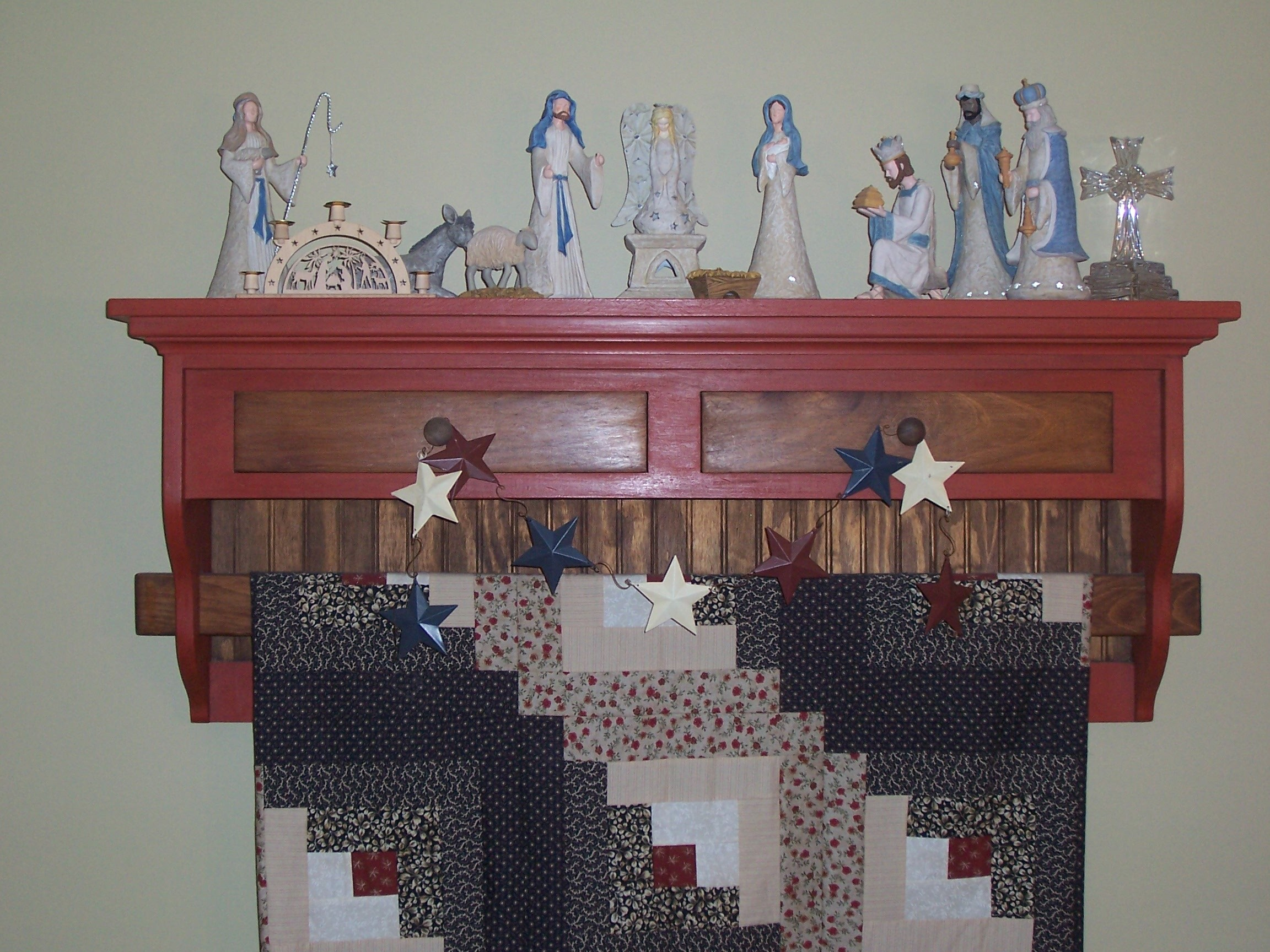 Quilt Rack with 2 Drawers