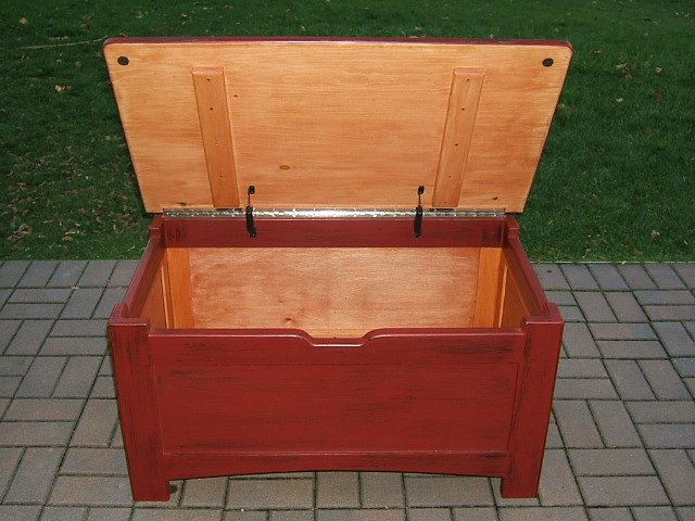 toy box lid support 2